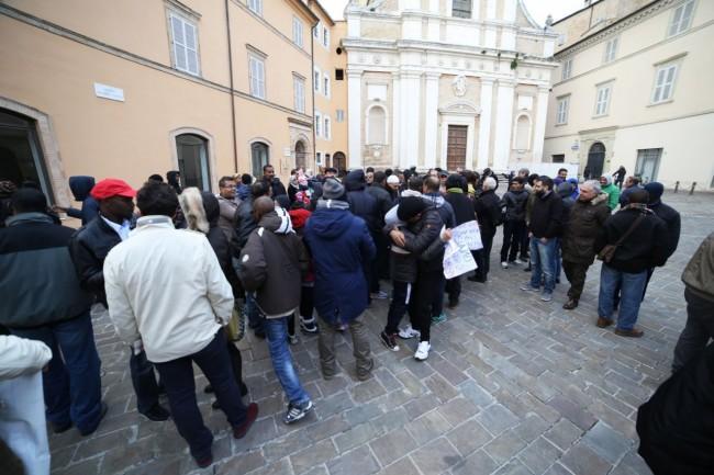 musulmani contro isis not in my name no in mio nome terrorismo islam foto ap (35)