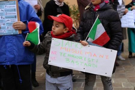 musulmani contro isis not in my name no in mio nome terrorismo islam foto ap (6)
