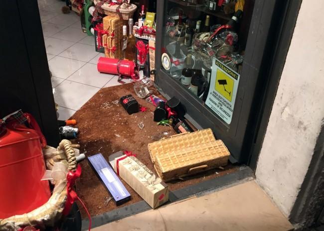 negozio ciauscolo distrutto - civitanova (7)