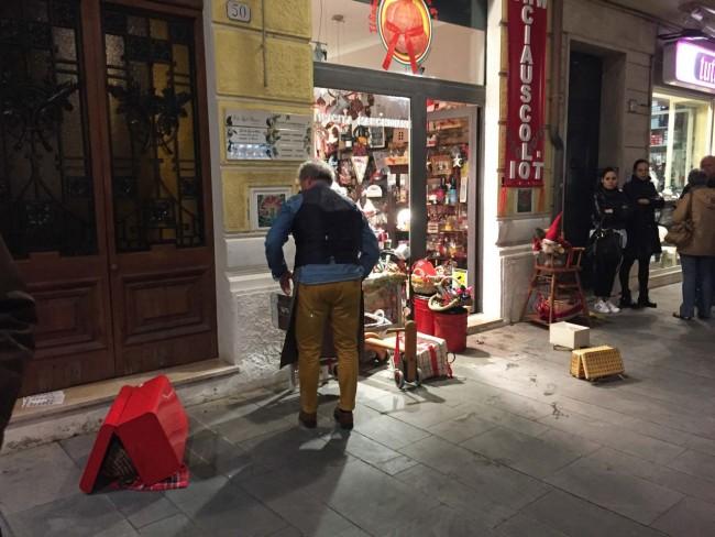 negozio ciauscolo distrutto - civitanova (9)