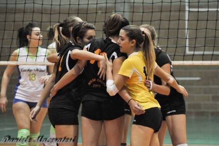 Le ragazze della Roana esultano per la vittoria ottenuta a Rimini