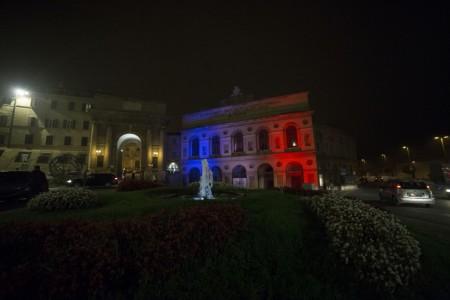 sferisterio francia colori attentato solidarietà foto ap (2)
