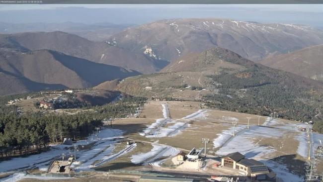 Pronti all'uso gli impianti di Frontignano, ma manca la neve