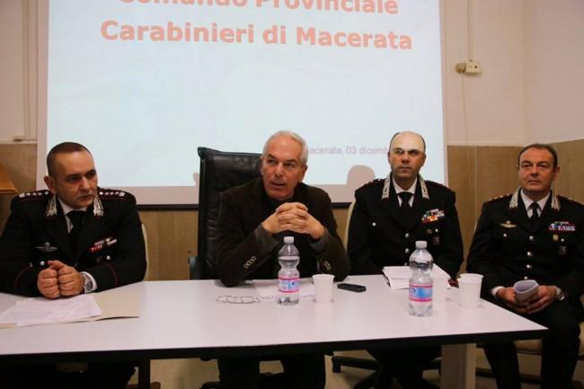 Il procuratore Giovanni Giorgi illustra l'esito dell'indagine che ha portato agli arresti dei presunti autori degli incendi delle auto a Civitanova