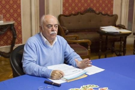 conferenza in Provincia pettinari foto ap (3)