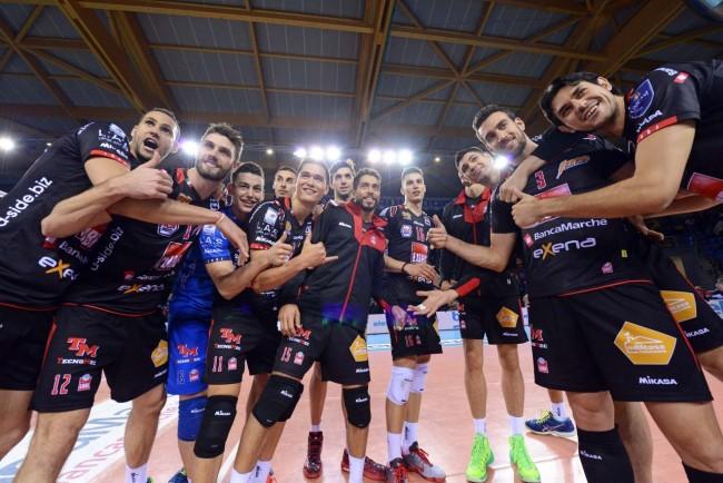 La Lube festeggia il successo contro la Cmc Romagna