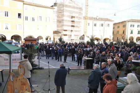 La piazza d san Severino durante la protesta