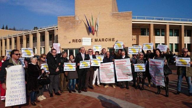 La protesta in Regione per il punto nascite