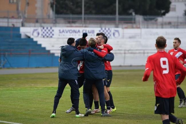 La gioia dei giocatori del Savona
