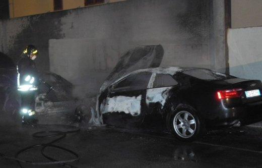 L'Audi A5 bruciata a Porto Recanati