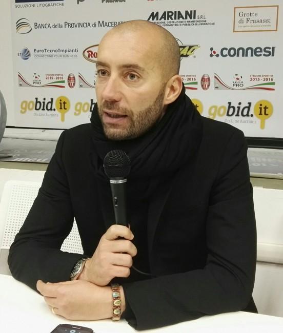 L'allenatore della Maceratese Cristian Bucchi nel dopo gara