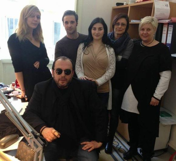L'imprenditore Giuseppe Cerolini insieme al suo staff. Da domani è pronto a tornare al timone delle sue aziende
