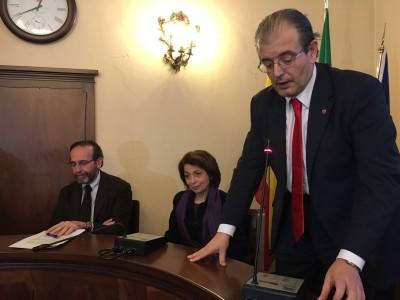 Il presidente del consiglio Ivo Costamagna introduce Nencini