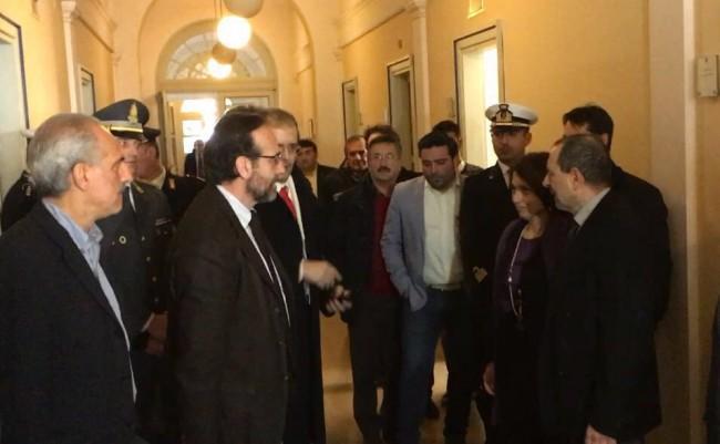 L'arrivo del viceministro Riccardo Nencini