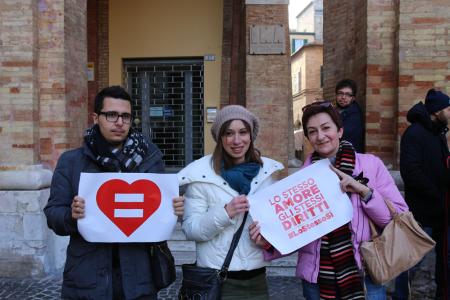 sentinelle in piedi piazza macerata_foto LB (21)