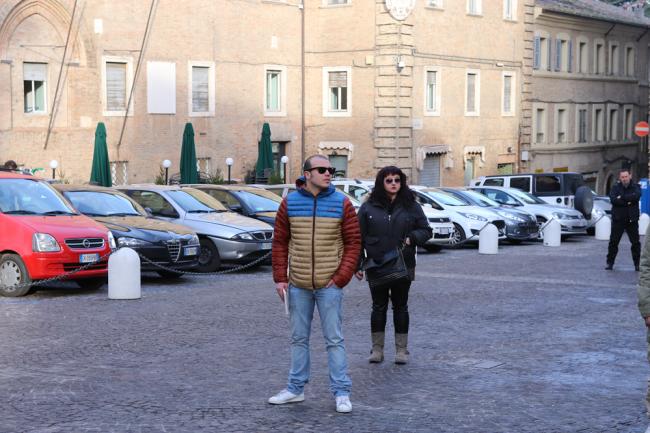 sentinelle in piedi piazza macerata_foto LB (6)