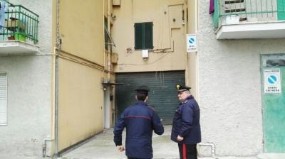 tentato_suicidio_via_zorli_carabinieri (5)