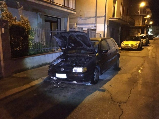 Auto incendiata via dei Mille 3