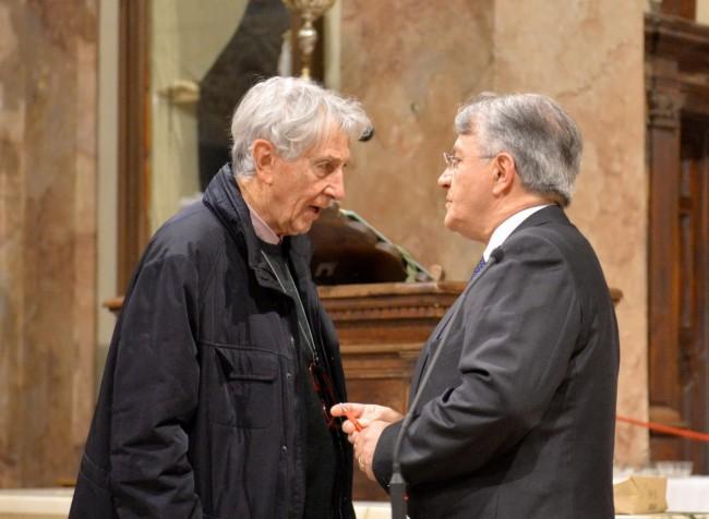Corrado Augias con il presidente dell'unione montana Monti Azzurri Giampiero Feliciciotti