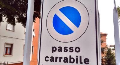 Passo-carrabile_Foto-LB