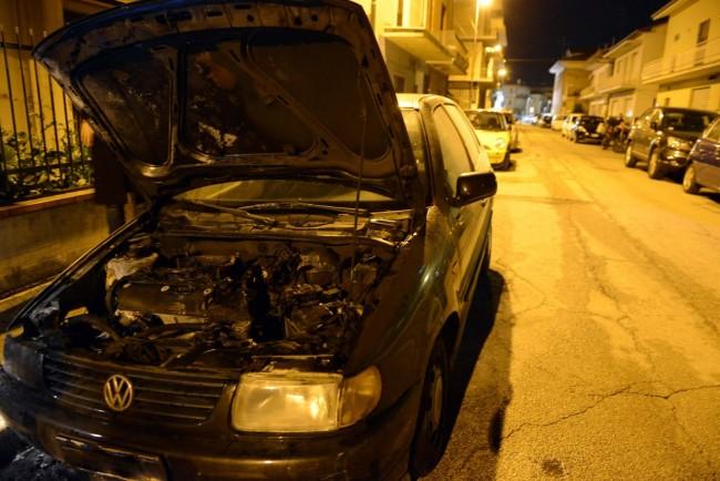 auto a fuoco - via dei mille - civitanova (4)