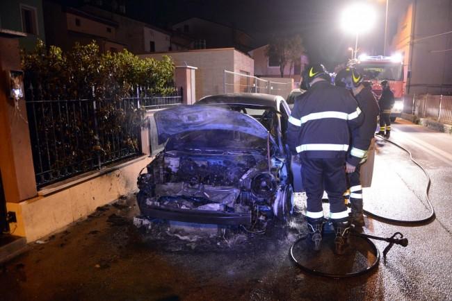 incendio auto via de gasperi - porto potenza picena (10)