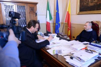L'inviato Mauro Casciari con Corvatta in Comune