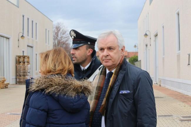 L'ex sindaco di Recanati, Fabio Corvatta insieme alla moglie. Erano il padrino e la madrina di Giosuè