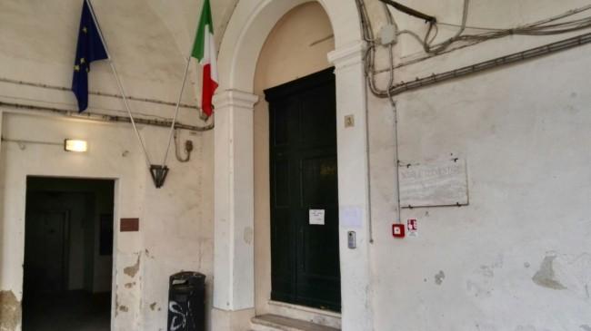 L'ingresso della scuola Beniamino Gigli