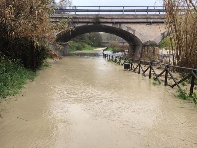 La pista ciclabile allagata, a Civitanova