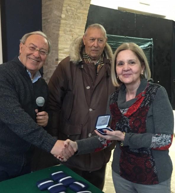 Premiazione di Maria Laura Platania per i 25 anni di iscrizione