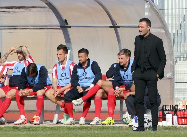 L'allenatore in seconda Mirco Savini, in panchina al posto dello squalificato Bucchi