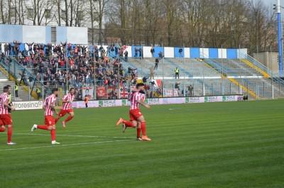 Cristian Buonaiuto festeggia dopo il primo gol