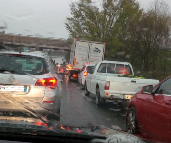 Traffico bloccato sulla superstrada (foto Florindo Mancinelli)