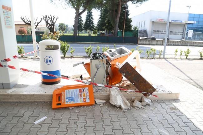 benzinaio scassinato piediripa foto ap (4)
