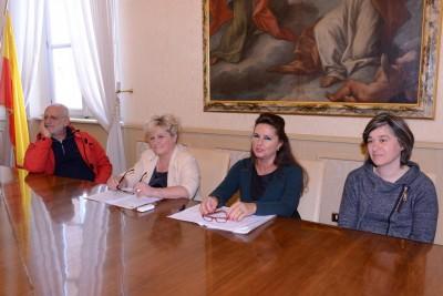 da sinistra Antonio Cotechini, l'assessore Cristiana Cecchetti, Elga Angelini e Ombretta Cristiani