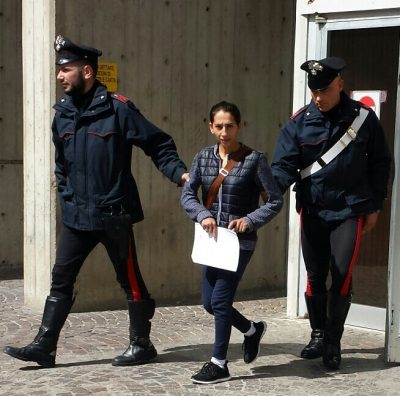 Dalida Radosavljevic, la donna sorpresa a rubare con il figlio di sette mesi in braccio