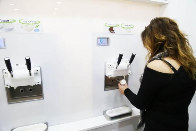 inaugurazione ke gusto gelateria yogurteria macerata foto ap (13)