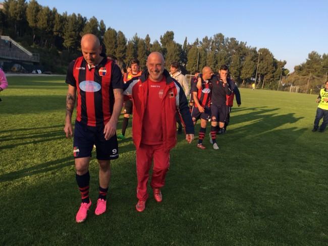 Romano Tozzi Borsoi, autore della doppietta decisiva nel successo contro il Loreto che ha dato la vittoria del campionato ai rossoblu