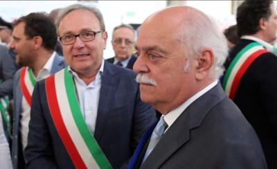 Da destra: Antonio Pettinari e il sindaco di Treia Franco Capponi