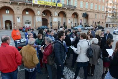 comitato centro - protesta sotto il comune - civitanova (2)