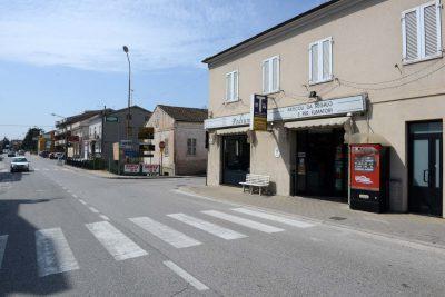 furto-tabaccheria-podium-montecosaro-6-400x267
