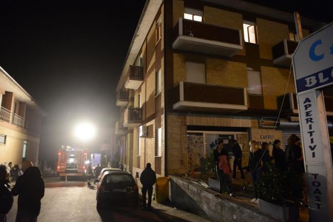 incendio via martiri di belfiore - civitanova (2)