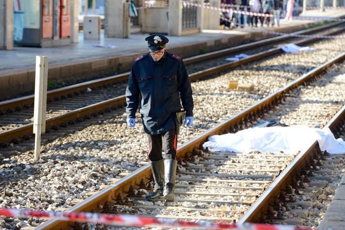 Travolta dal treno, muore una ventenne