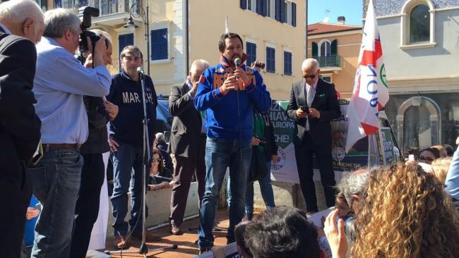 In corso il comizio di Matteo Salvini a Porto Reacanati