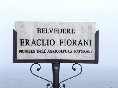 La targa del Belvedere intitolato a Fiorani ad Ancona