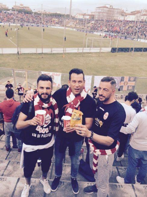 Alcuni tifosi della Maceratese a Pisa