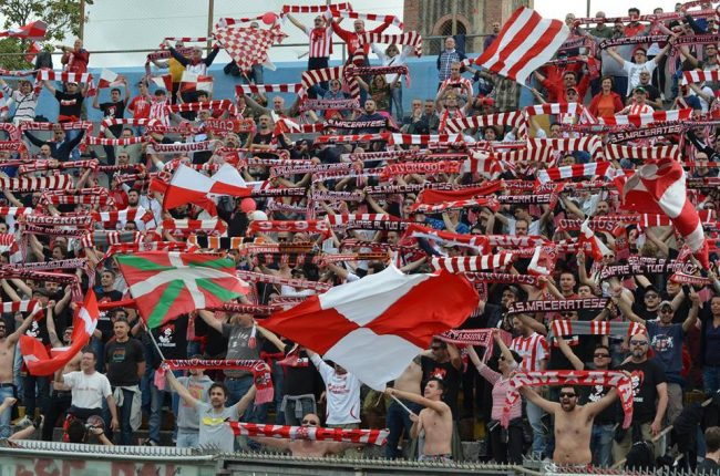 I 700 tifosi maceratesi a Pisa