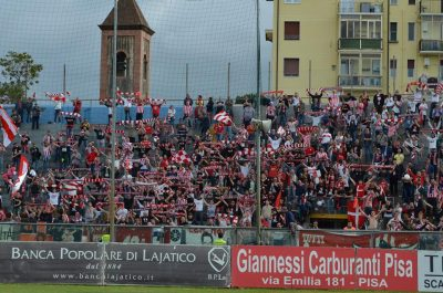 Biancorossi a Pisa (foto Fabiola Monachesi)