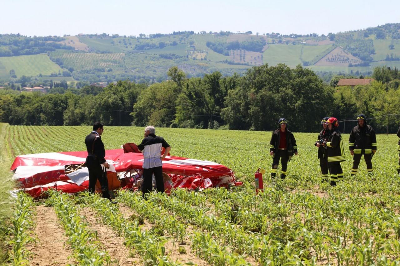 Nel Maceratese, precipita un ultraleggero: morto il pilota